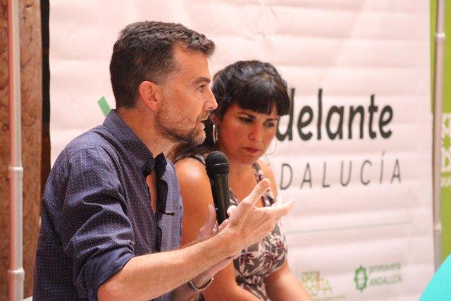 Antonio Maíllo y Teresa Rodríguez, en un acto de Adelante Andalucía