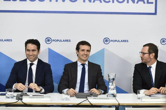 El presidente del Partido Popular, Pablo Casado, preside la reunión del Comité E