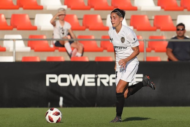 Carolina Férez, en un partido del Valencia