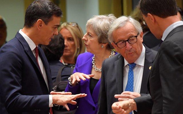 Bruselas advierte al Gobierno del riesgo de incumplir el esfuerzo estructural de reducción de déficit de 2019