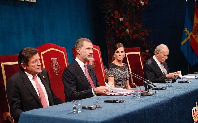 Concluye la XXXVIII ceremonia, marcada por el respaldo institucional de los Poderes del Estado a la Corona