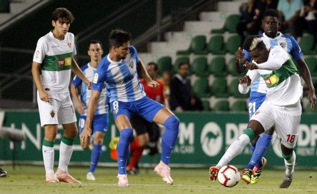 Málaga y Elche se enfrentan en el Martínez Valero