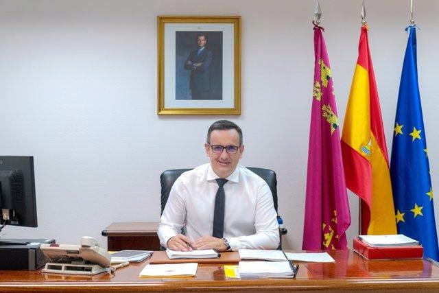El delegado del Gobierno y secretario general del PSRM, Diego Conesa