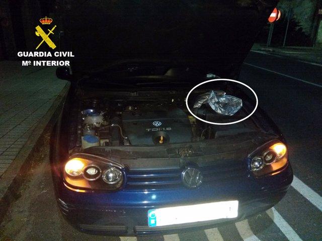 Vehículo interceptado con marihuna oculta el motor en Pontecesures (Pontevedra)