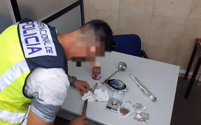 La Policía desarticula un 'narcopiso' en Benidorm y detiene a los cuatro responsables