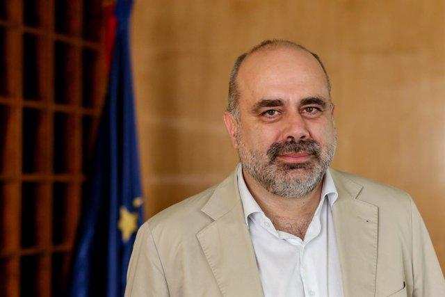 Entrevista de Europa Press al Alto Comisionado para la lucha contra la pobreza i
