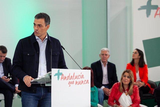 el secretario general del PSOE Pedro Sánchez, y la secretaria general del PSOE-A