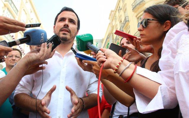 Garzón (IU) exige al Gobierno responder a la marcha atrás del Supremo sobre el impuesto de las hipotecas