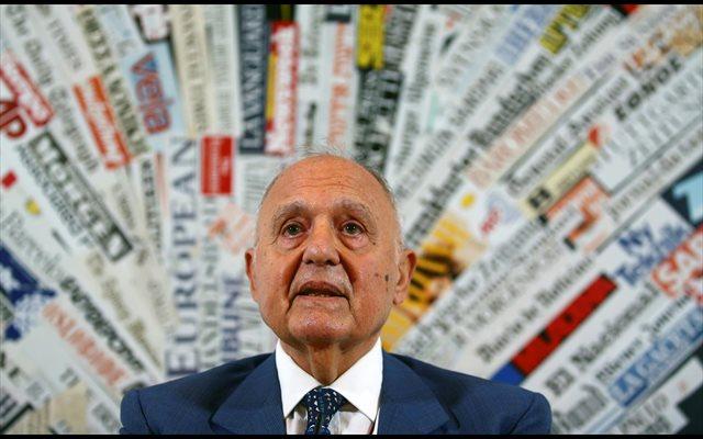 Italia asegura que nunca dejará el euro por voluntad propia tras la rebaja de calificación de su deuda
