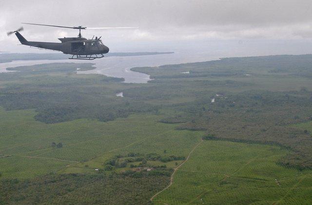Helicóptero militar sobrevuela Tumaco