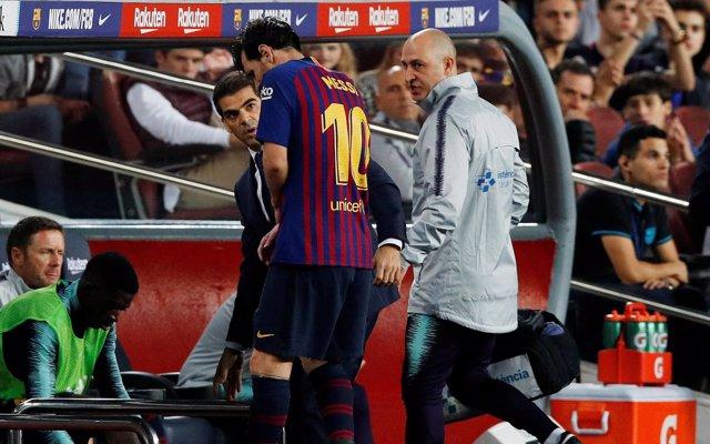 Messi, tres semanas de baja por una fractura en el radio