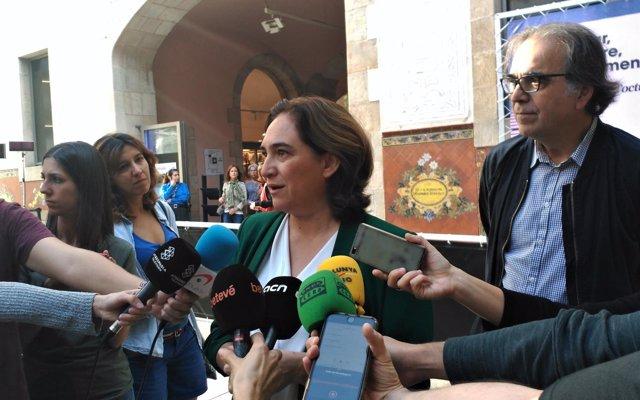 Colau dice que la situación de los presos soberanistas 'no puede condicionar' el debate sobre presupuestos