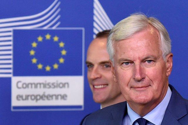 Michel Barnier y Dominic Raab