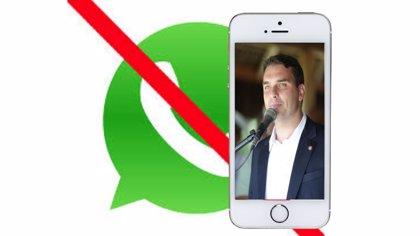 """WhatsApp bloquea la cuenta del hijo de Bolsonaro por """"comportamiento extraño"""" días antes de la segunda vuelta electoral"""