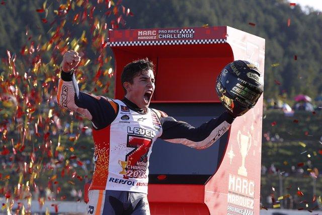 Marc Márquez (Repsol Honda) celebra el título de MotoGP en el GP Japón 2018