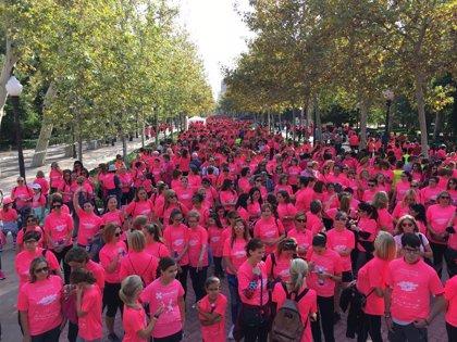 La V marcha solidaria contra el cáncer de mama 'Un Paseo por la Vida Castellón 2018' recauda 30.000 euros de donación