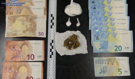 Dos detenidos por tráfico de drogas por la policia nacional en Manacor