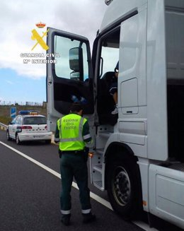 Inspección de vehículos pesados.