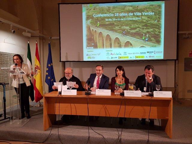 Conferencia Nacional de Vías Verdes presidida por el consejero Felipe López