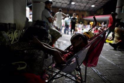 """Trump """"alerta"""" a la Guardia Fronteriza y al Ejército por la 'caravana' migratoria"""