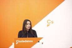 """Arrimadas critica que els Pressupostos """"els estigui negociant"""" Iglesias, que """"sembla el secretari de Puigdemont i Torra"""" (Eduardo Parra - Europa Press)"""