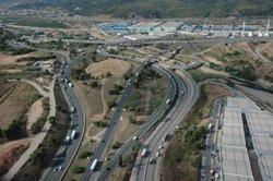 Mollet insta la concessionària de l'AP-7 a reparar passarel·les que connecten amb Gallecs (SCT - Archivo)