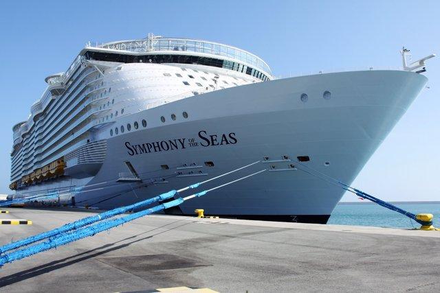 El creuer Symphony of the Seas a València