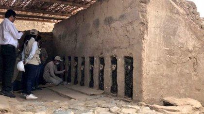 Hallan 19 esculturas de madera en una ciudadela precolombina en el norte de Perú