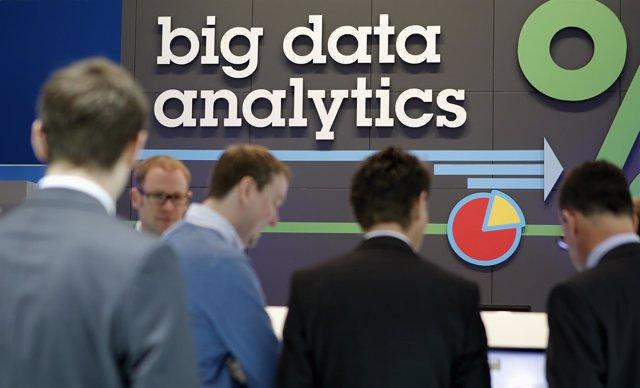Logotipo de análisis de big data