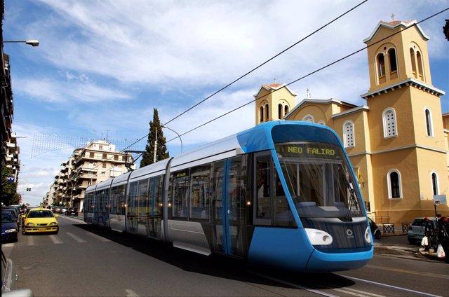 Tranvía que Alstom suministra a Atenas