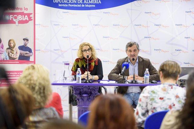 El diputado Ángel Escobar, durante su intervención en esta acción formativa.