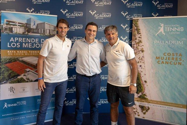 Rafa Nadal junto a Abel Matutes y Toni Nadal