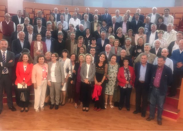 acto de homenaje a los 150 docentes jubilados