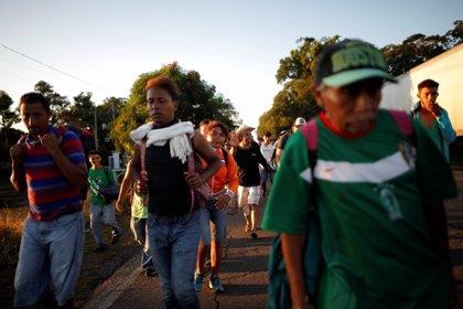 Una nueva caravana con 2.500 migrantes se dirige a la frontera de Guatemala con México