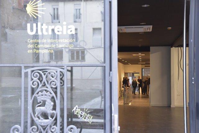 Visita de los miembros del Ayuntamiento de Pamplona al centro Ultreia