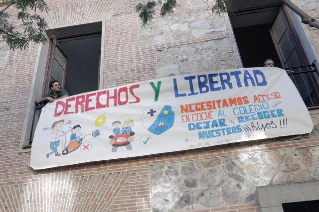 Concentración de padres del Colegio Santa Isabel contra Madrid Central