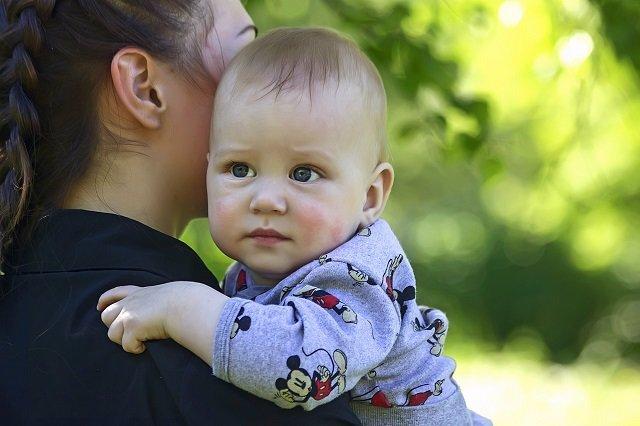 La Hacienda foral devolverá el IRPF a las mujeres acogidas a bajas maternales.