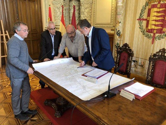 Saravia supervisa el plano de obras de conservación, 24-10-18