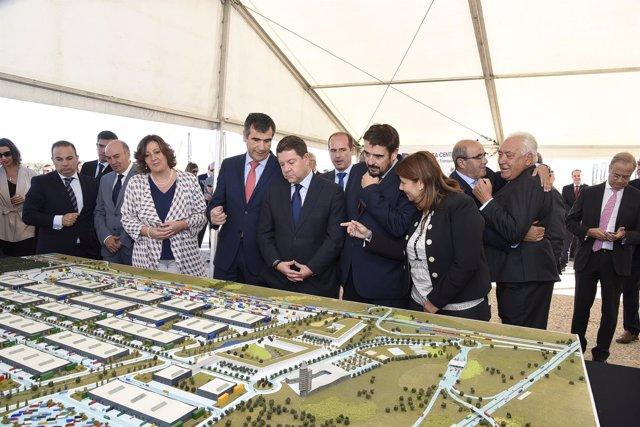 Inauguración Puerta-Centro en Marchamalo