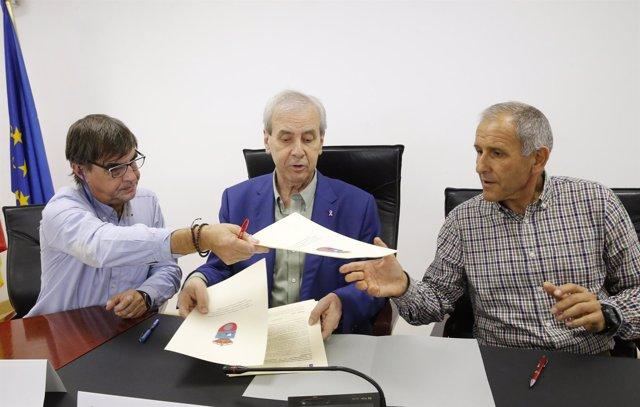 Gobierno, UGT y CC.OO firman acuerdo para mejora de la calidad de empleo público