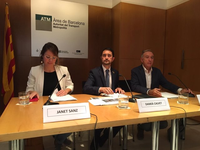 Janet Sanz (Ayuntamiento de Barcelona), Damià Calvet (Generalitat), Poveda (AMB)