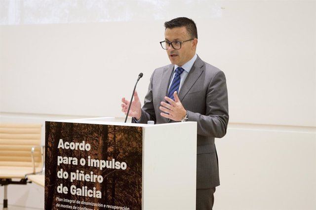 Conselleiro do Medio Rural, José González