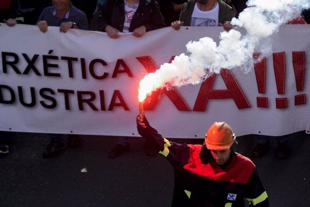 Manifestación de los trabajadores de la multinacional Alcoa en A Coruña, Galicia