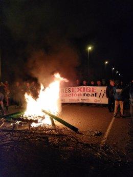 Protestas de funcionarios ante el centro penitenciario de Zuera