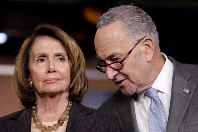 Los líderes demócratas en el Congreso de EEUU, Nancy Pelosi y Chuck Schumer