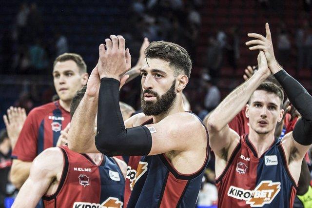 Tornike Shengelia celebra una victoria de Baskonia