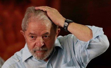 """Lula da Silva alerta en una carta de que Brasil está a las puertas de una """"aventura fascista"""""""
