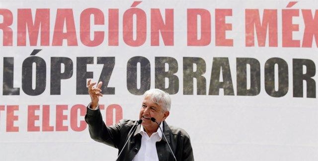 López Obrador durante su discurso en la Plaza de las Tres Culturas