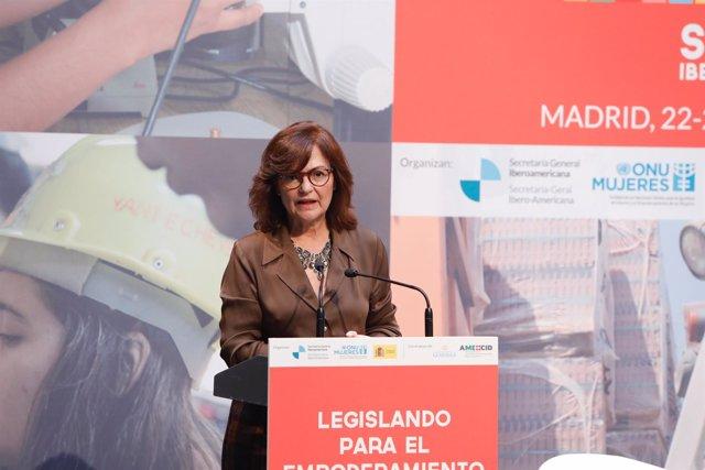 Carmen Calvo inaugura una jornada para el empoderamiento de las mujeres