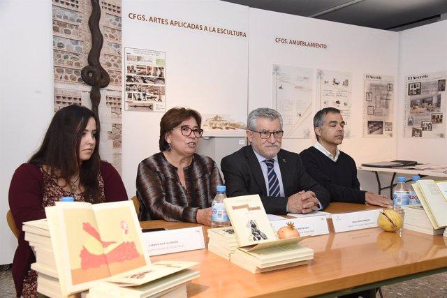Felpeto presenta Constitución ilustrada